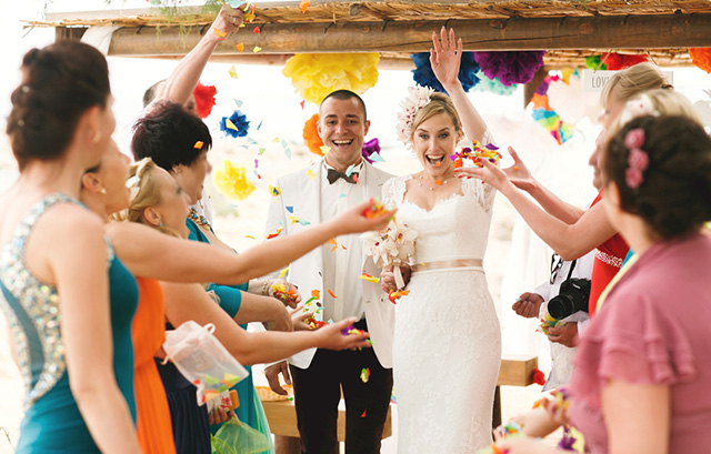 44e0580ad175c 結婚式どこまで呼ぶ?」招待ゲストの選び方 | 結婚ラジオ | 結婚 ...