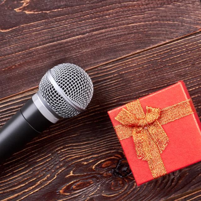 結婚式でスピーチしてくれた方へのお礼の仕方は 結婚ラジオ