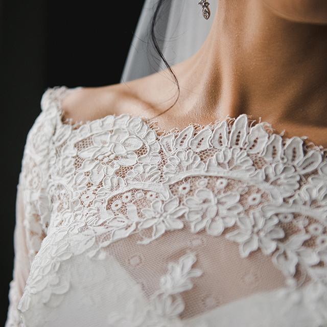671b069bd9256 ウェディングドレスの基礎知識③ デコルテ・首回りのデザイン | 結婚 ...