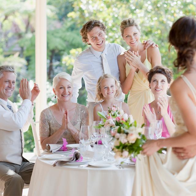 3eabf219b223c 結婚式・披露宴に親族として出席!知っておくべき服装マナーは? | 結婚 ...