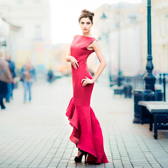 結婚式お呼ばれの服装でロングドレスはアリ?マナーと着こなしは?