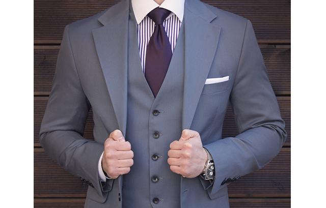かっこよくキメたい!男性の結婚式ベストの選び方&着こなしって