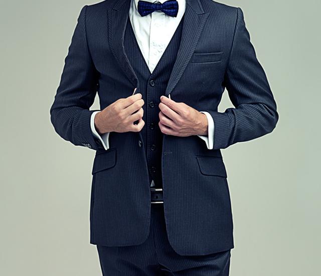 かっこよくキメたい 男性の結婚式ベストの選び方 着こなしって